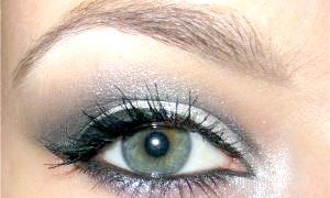 Макіяж для сіро-зелених очей: правильне поєднання відтінків