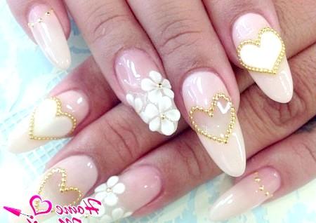 Фото - гелева композиція на нарощених нігтях