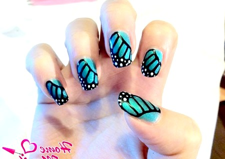 Фото - дизайн нігтів в стилі крил метелика