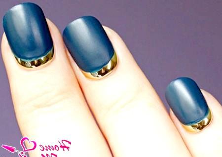 Фото - матовий дизайн нігтів в місячному стилі