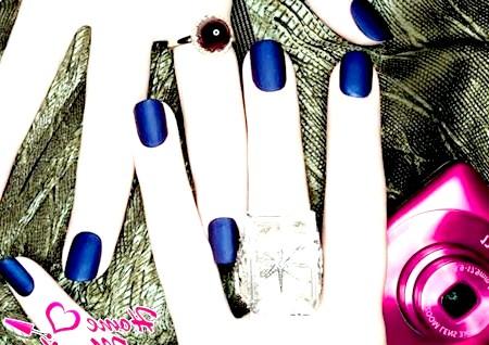 Фото - елегантний темно-синій манікюр