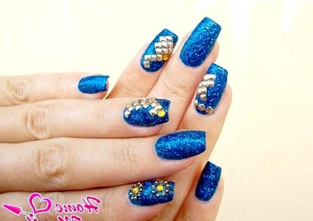 Фото - дизайн нігтів з металевим декором