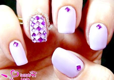 Фото - пурпурний дизайн нігтів зі стразами