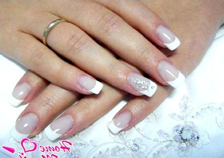 Фото - прикраса безіменного пальця нареченої