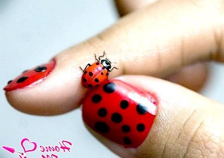 Фото - сонечко на нігтях