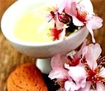 Мигдальне масло для волосся і шкіри, склад, користь і властивості олії мигдалю