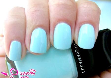 Фото - монотонні блакитні нігті