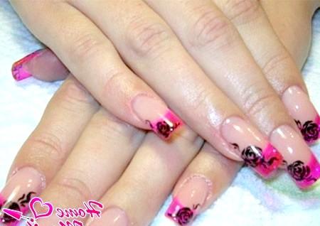Фото - красивий рожевий френч з чорними малюнками