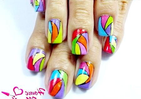 Фото - яскравий дизайн нігтів на літо 2014