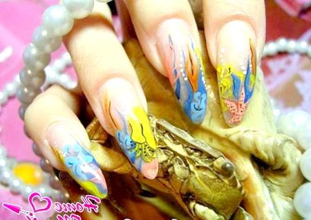 Фото - морські малюнки на нігтях