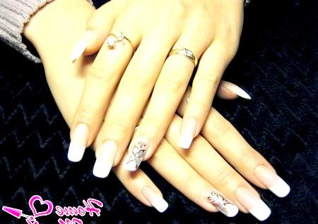 Фото - нарощені акрилові нігті з малюнком