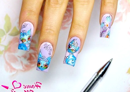 Фото - малюнки гелевою ручкою на нігтях