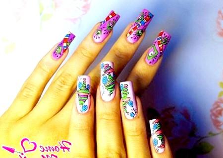 Фото - класні малюнки ручками на нігтях