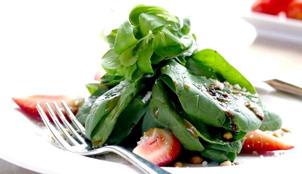 Фото - Салат зі шпинату