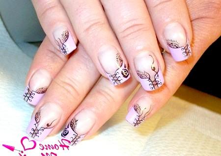Фото - дуже гарні малюнки корсетів на нігтях
