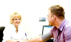 Фото - Консультація з лікарем для визначення необхідності операції