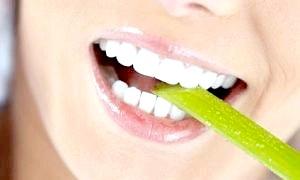Відбілювання зубів перекисом водню
