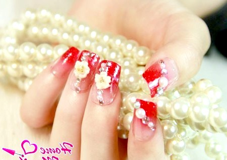 Фото - червоний френч з об'ємним декором на нігтях