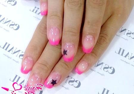 Фото - рожевий френч з акуратними чорними зірочками