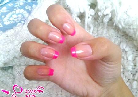 Фото - красивий рожевий френч на нігтях