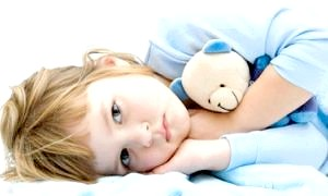 Чому дитина погано спить вночі: докладний опис можливих причин