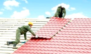 Покрити дах металочерепицею легко, або стройка своїми руками