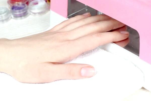 Фото - Якщо ви не боїтеся експериментувати, то в домашніх умовах можна навчитися навіть нарощуванню нігтів!