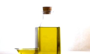 Застосування реп'яхової олії для волосся: просто і ефективно!