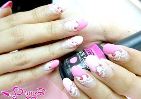 Фото - ніжний дизайн овальних нігтів