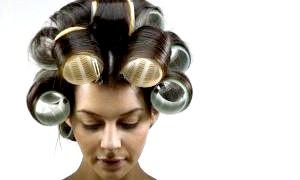 Распрямітель волосся і бігуді-липучки для створення красивих зачісок