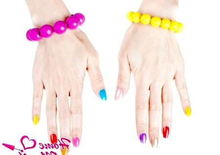 Фото - кольорова веселка на нігтях