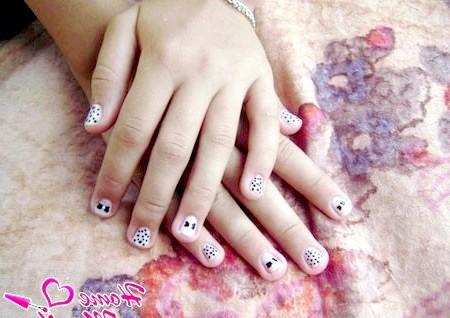 Фото - простий підлітковий дизайн нігтів