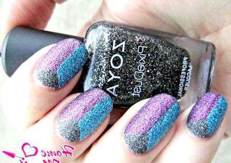 Фото - пісочний триколор на нігтях від Zoya