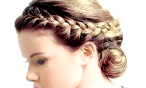 Самобутньо і стильно - як заплести косу навколо голови?
