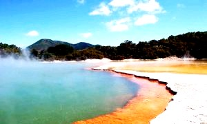 Самі незвичайні місця землі: краса, захоплення і небезпека