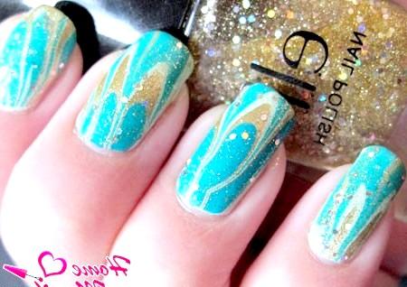 Фото - зимовий дизайн нігтів з блискітками