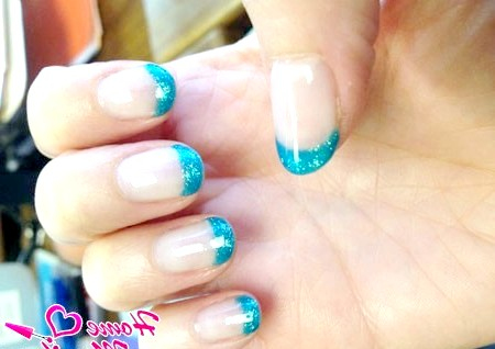 Фото - бірюзовий френч на нігтях