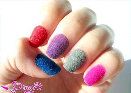 Фото - різнокольорові оксамитові нігті