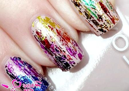 Фото - композиція на нігтях з обривків фольги