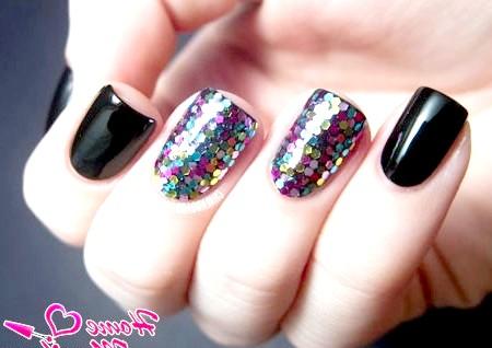 Фото - класний дизайн нігтів з різнобарвного Гліттера