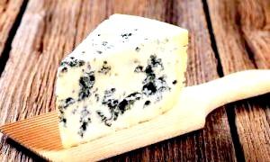 Сирні делікатеси: сир із зеленою цвіллю