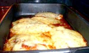 Тілапія в томатному соусі під сиром