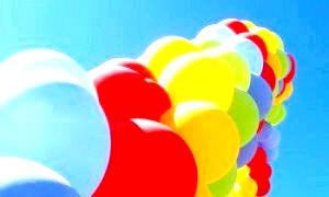 Прикрашаємо приміщення до свята самостійно, або як надути кульки гелієм в домашніх умовах