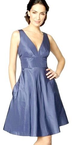 Фото - У чому зустрічати Синю дерев'яну Козу? - Звичайно ж в синьому коротенькому платті