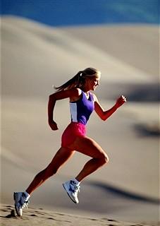 Вечірній біг: особливості, переваги та недоліки