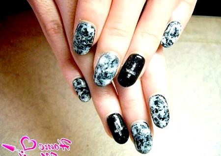 Фото - стильний дизайн нігтів з ефектом мармуру