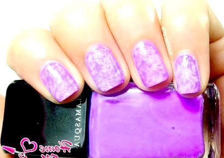 Фото - фіолетовий мармуровий манікюр