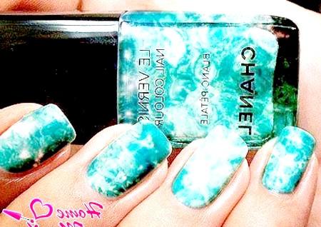 Фото - мармуровий лак для нігтів chanel