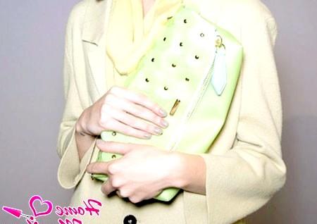 Фото - скромний пастельний дизайн нігтів