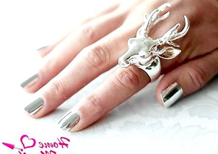 Фото - модний Мінкс манікюр зі срібним відливом